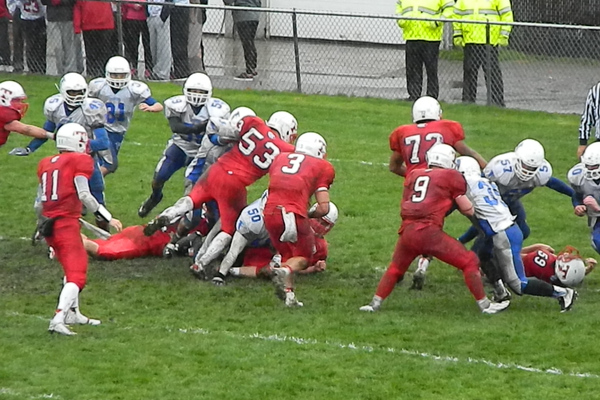 James Sullivan (3) finds a huge hole and charges into the end zone for one of his three touchdowns on Saturday.