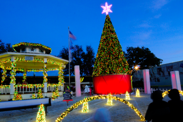 Photo courtesy of Grapevine's Christmas Capital of Texas