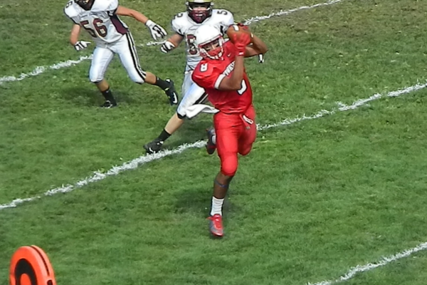 Adam Gajjaoui (8) caught three passes for 32 yards.
