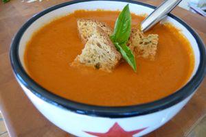 Medium tomato soup2
