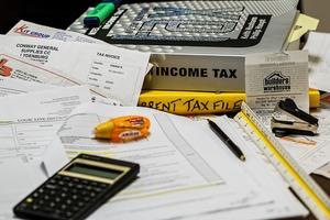 Medium income tax 491626 1280