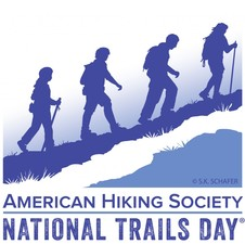 Medium nationaltrailsday logo