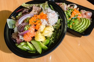 Ahi Poke Bowl Brings Hawaiian Delicacy to South Arlington - Jan 20 2017 0216PM