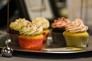 Medium valentine 20cupcakes 20mgfm 20photo 20by 20charnell 20timms
