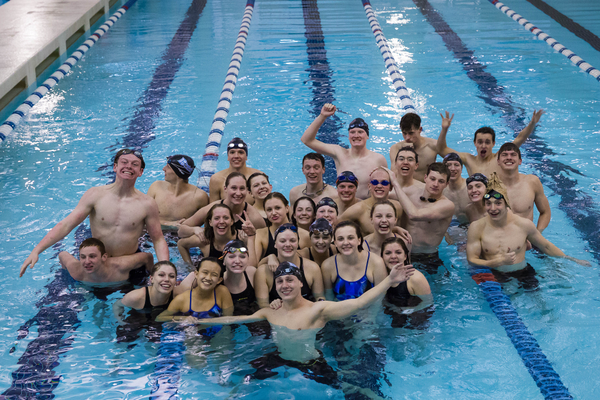 The 2016–17 Bingham swim team (Treasureyourmemories Photography)