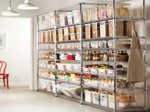Professional Organizer Gives Us Some Kitchen Organizing Tips - Mar 07 2017 0538PM