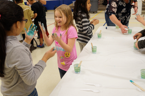 Slime station was a fan favorite for students. (Aspen Perry/City Journals)