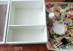 Medium clean surface to decoupage