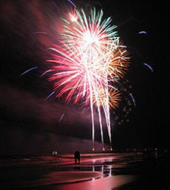 365 events fireworks on beach 269x300
