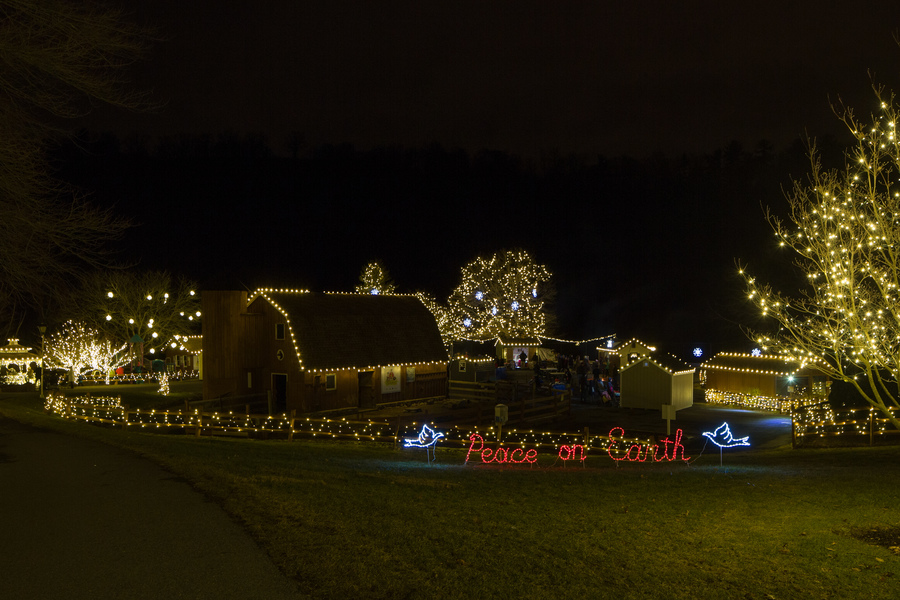 Gallery u0027Tis the Season [15 Images] Click any image to expand. & 8 Must-See Holiday Attractions in the Susquehanna Valley ... azcodes.com