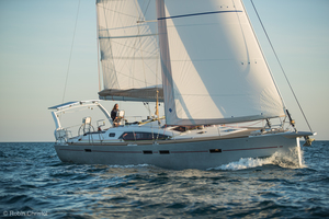 Medium spring 20boat 20show 205 20 allure 20sailboat