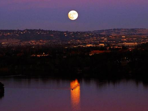 Main image moonrise on lake natoma jc
