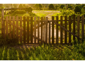 Best wood fencing service offered in tulsa