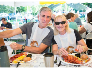Lobster on the Green The Community Gathers for a Good Cause - Jun 05 2018 0220PM