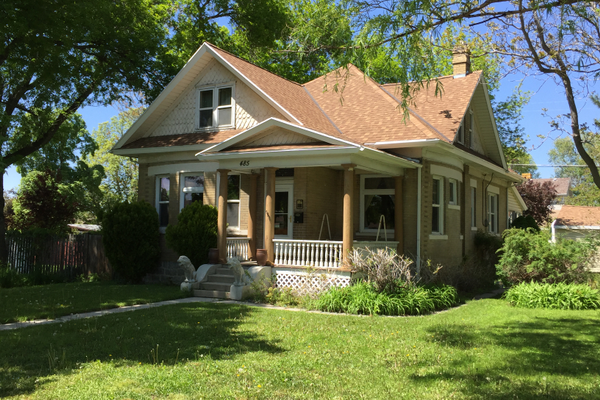 This well-maintained Victorian cottage on 8800 South was built in 1907 for Niels and Mary Ann Thompson. While walking past it, it's easy to imagine turn-of-the-century Sandy. (Heather Lawrence/City Journals)
