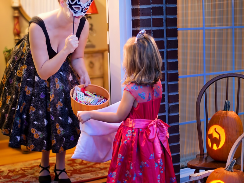 20 Safety Tips For Trick Or Treaters The City Journals