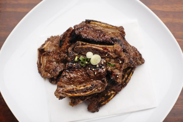 Korean-style grilled beef short ribs (galbi)